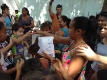 donation les petits coeurs de cuba à les enfants pauves à l'havane 2013 à mantilla 12