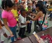 caridad -cuba-mantilla-niños pobres-estrema pobreza-donaciones-pequeños-corzones-petits-couers-estutuas - virgen -maria-eglesia-adventista