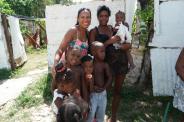 caridad -cuba-mantilla-niños pobres-estrema pobreza-donaciones-pequeños-corzones-petits-couers-