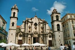 catedral de la habana-cuba- pequeños-corazones